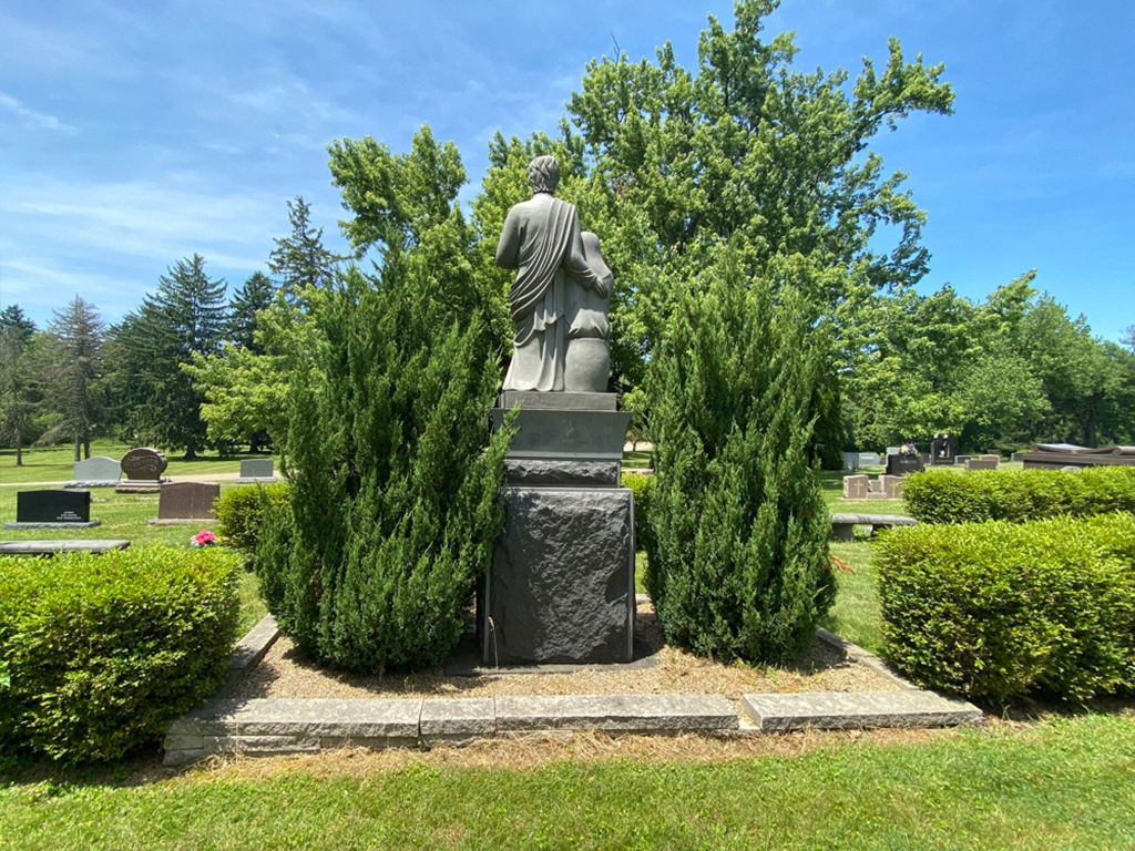 North Lawn Cemetery 07