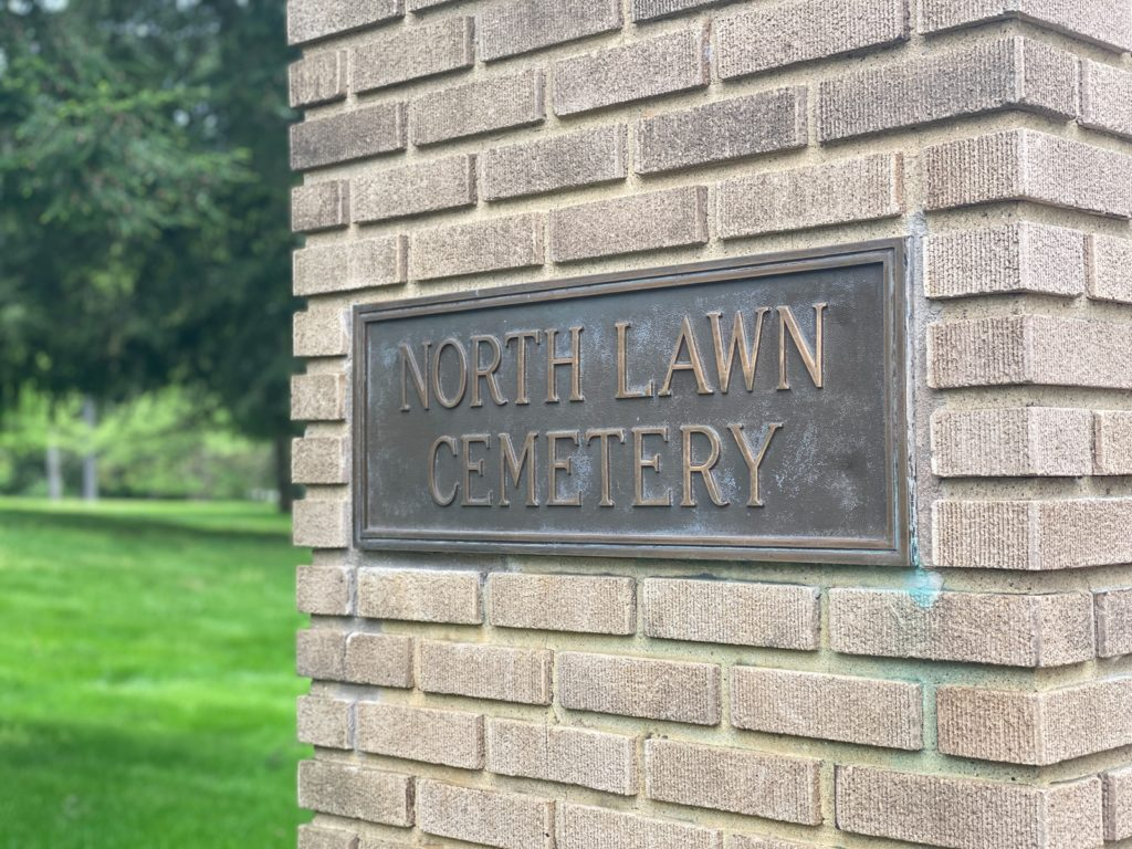 North Lawn Cemetery 11