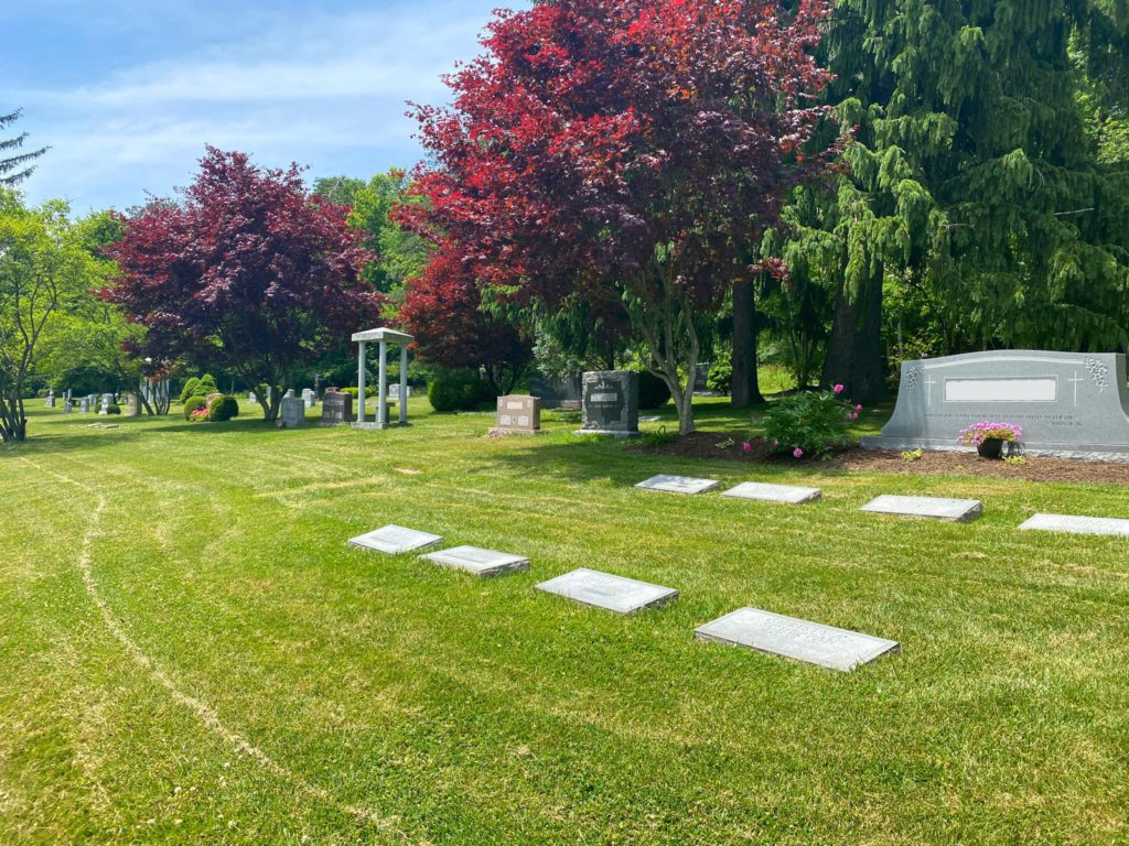 North Lawn Cemetery 40