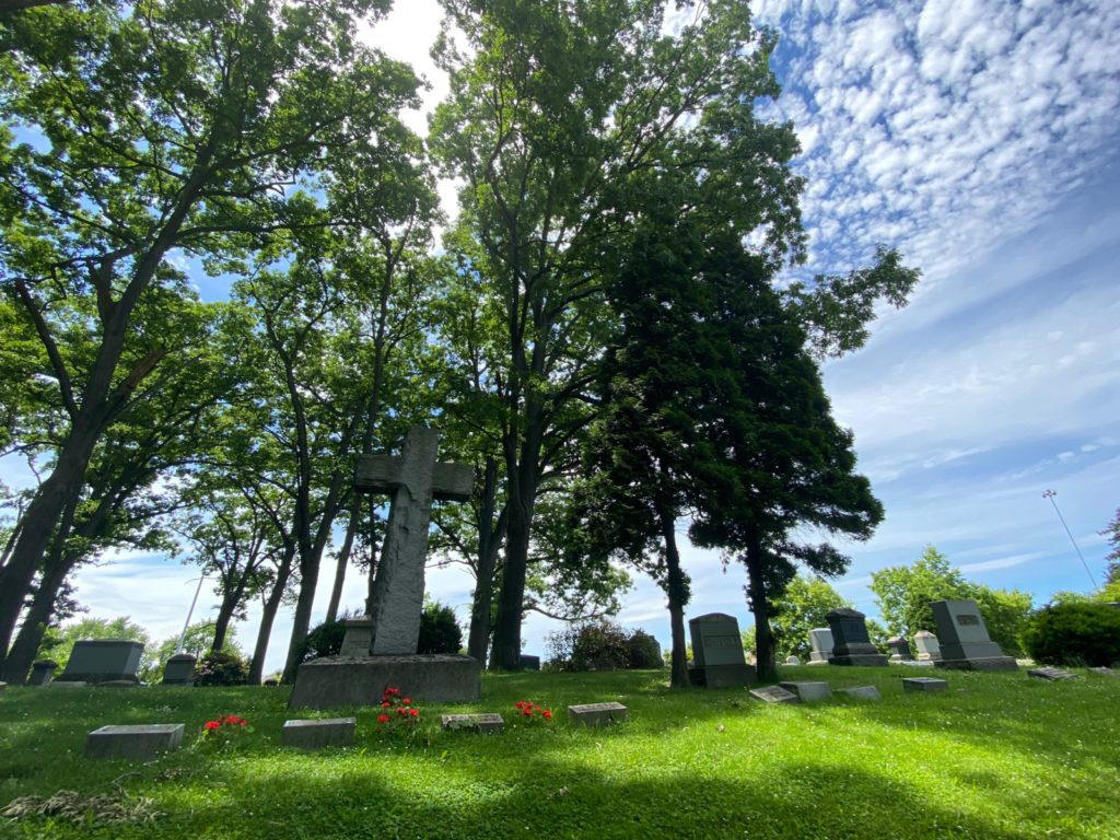 West Lawn Cemetery 01