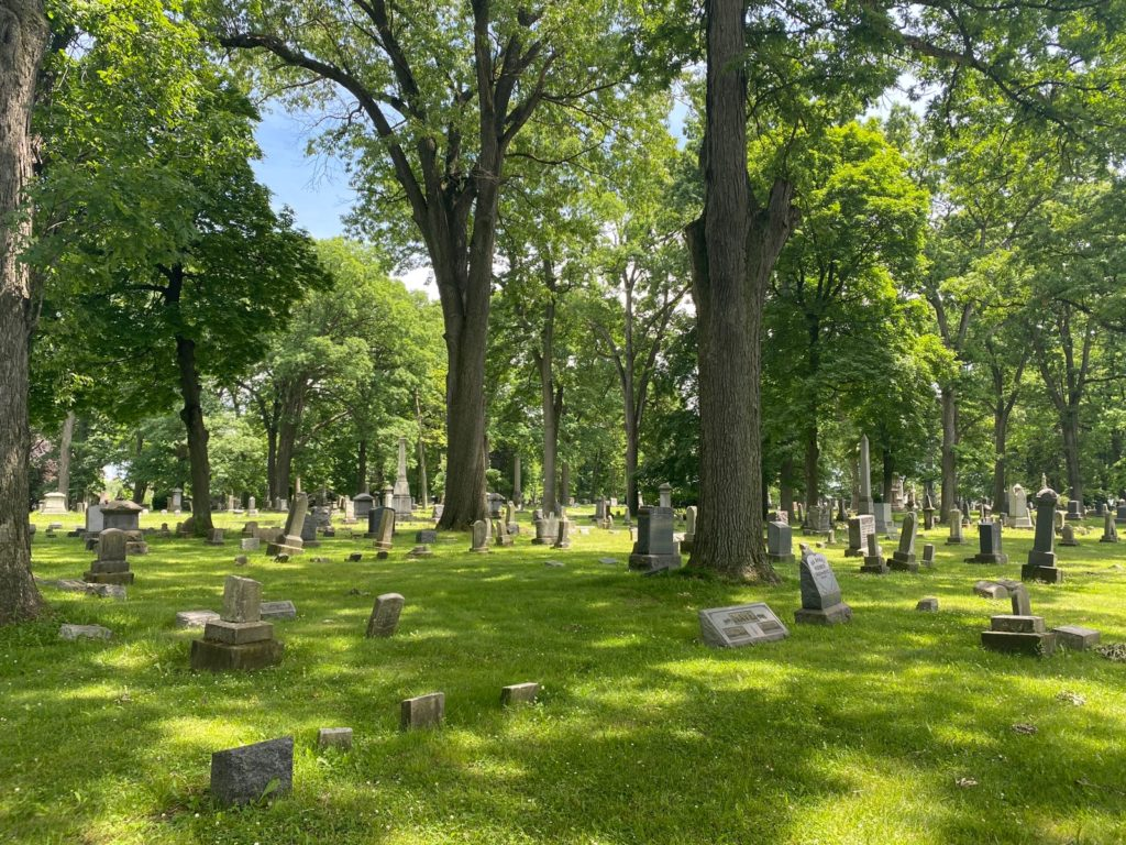West Lawn Cemetery 03