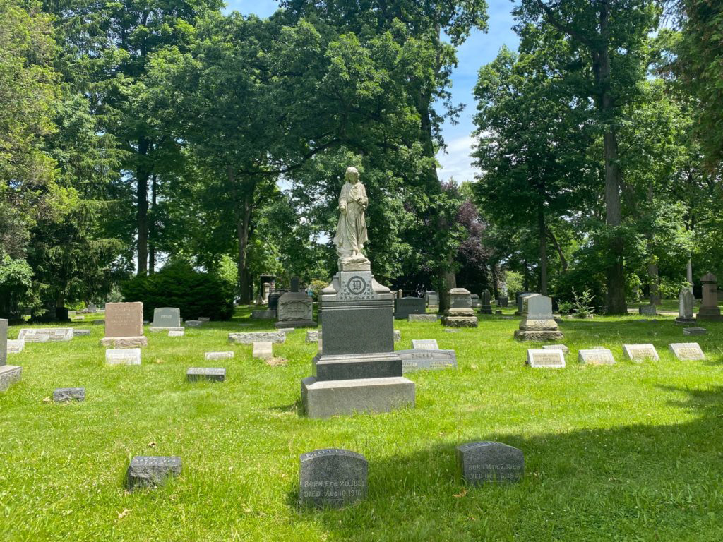 West Lawn Cemetery 05